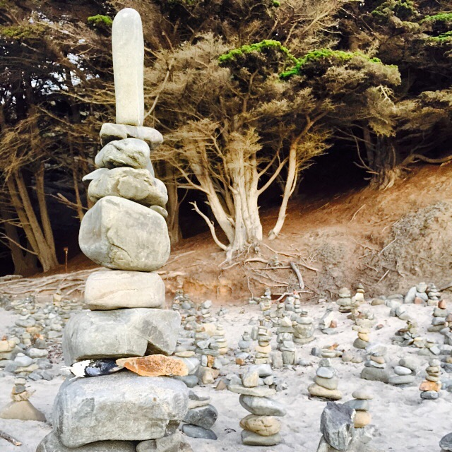 bigsur_rocks